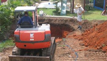 dig pool excavators